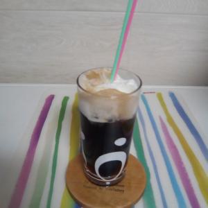おうちカフェ風に☆コーラフロートのコーラは、冷えていた方がよい…
