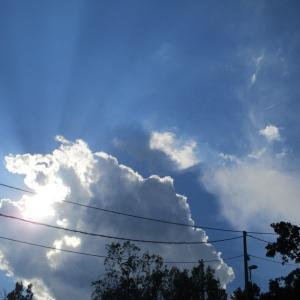雲と光と影と。