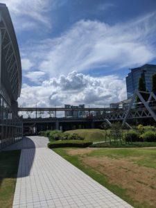 歩き疲れたらこんなストレッチを!東京ビッグサイト(国際展示場)散歩
