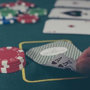 カジノディーラーに転職するには!?話題のカジノ留学を徹底解説!