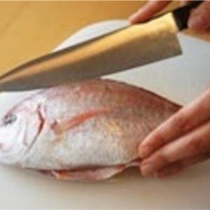牛刀で魚を捌くのに向いているおすすめの片刃包丁2選!