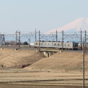 東武日光線20400型と富士山