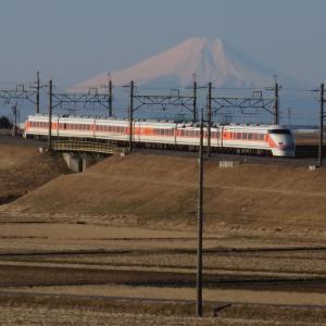東武特急スペーシアと富士山