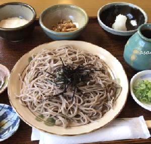 小梨そばの昼ごはん