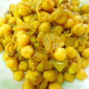 ひよこ豆(ガルバンゾー)のカレー炒め(フライ)