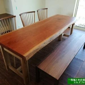 914、【新築、リフォームの参考に】一枚板テーブルのお届け事例集をご紹介。 一枚板と木の家具の専門店エムズファニチャーです。