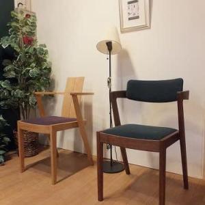 1018、一枚板と木の家具の専門店エムズファニチャーでは、お店紹介のリーフやカードをご用意しています。 一枚板と木の家具の専門店エムズファニチャーです。