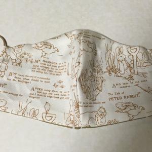 ピーターラビット柄のマスクと初めての手縫いリングバッグ
