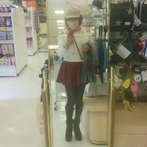 オフショルのセーターとミニスカで京都へ…!?