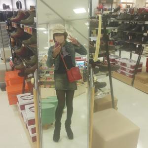 紅葉を求めてデニムタイトミニで京都へ…!?
