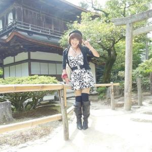 昔はキャバ嬢コーデで京都に出かけていた事実…!?