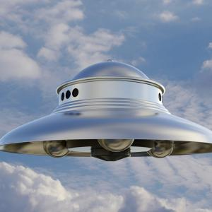 UFOの正体とは何なのか? 宇宙人の乗り物ではない? 軍の呼び名はUAP