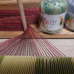 編み物用糸で透かし織り