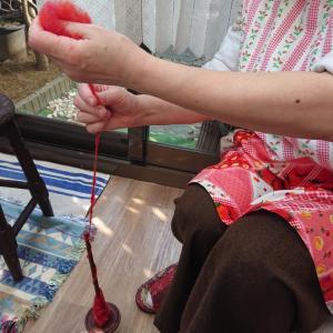手織りカフェ 糸紡ぎ体験③④