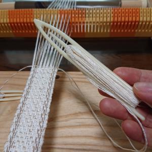 網針でベルト織り