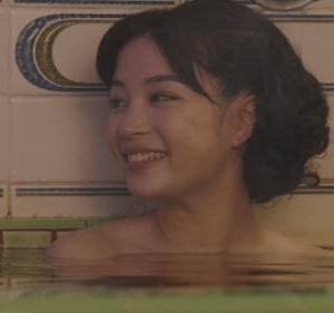 【お宝画像】広瀬すず『エアガール』銭湯入浴シーン公開 これは脳内で全裸画像が完成しちゃうねぇ…w