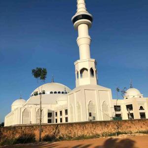 揚げ物食べながらモスクに行ったらすごいことになった話