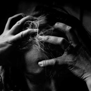 アレクサのCMを分析!苦手に共感する女性の心理とは?