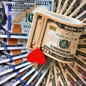「お金が出ていくことばかり…」と思ったら知ってほしい!お金が巡ってくる人の視点とは?