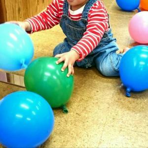 赤ちゃんが風船を怖がる理由とは?大人にもある風船恐怖症のせい?