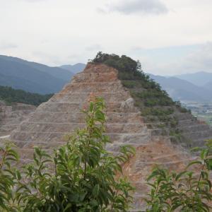 矢橋天皇陵(赤坂のピラミッド)などなど