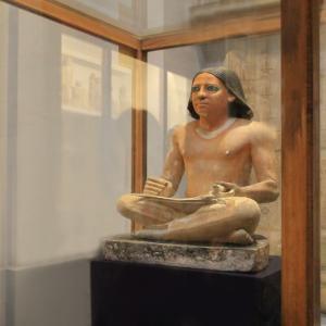 エジプト紀行 その84 カイロのエジプト考古学博物館見学 ④古王国時代の書記座像他