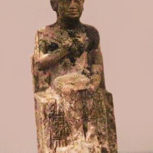 エジプト紀行 その86 カイロのエジプト考古学博物館見学 ⑥古王国時代のクフ王像と中王国レリーフ