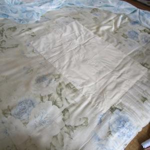 敷布団が破けてたので当て布をして補修