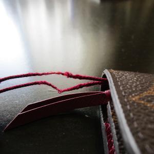 財布に付けていた根付のストラップを修理しました