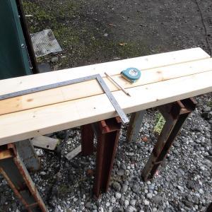濡れ縁台の薪置台