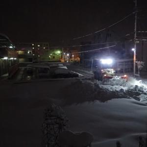 立春過ぎにようやく除雪車初出動!