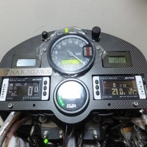 【冬メンテ】アクティブデジタルメーターV4の取り付けとメーターステーの作成