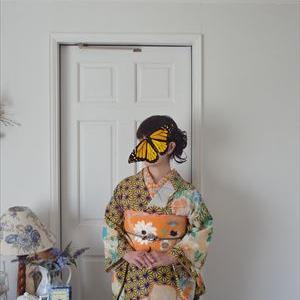 麻の葉に夏から初秋の花の着物