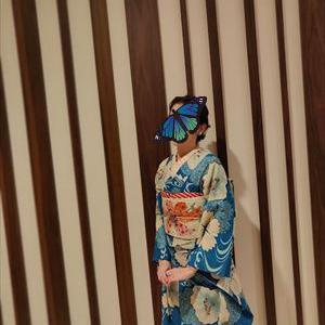 レーシーな芙蓉の着物とレーシーな百合の刺繍帯