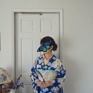 水玉に百合の着物とサヤエンドウのアールデコの帯