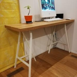 IKEAのキッチンワークトップとテーブル脚を加工してパソコンデスク作りました。