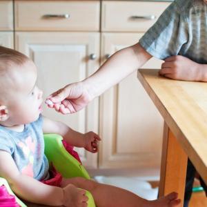 離乳食スタート!初期から使えるグッズたち
