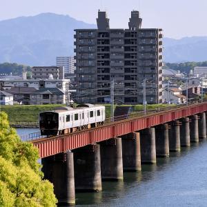 大淀川橋梁で撮る、817系「6885M」
