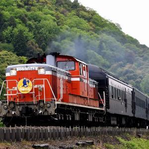 定番で撮る、DD511043号機牽引の「DLやまぐち号」