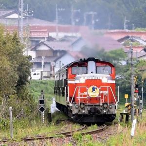 まずは正面から撮る、DD511043号機牽引の「DLやまぐち号」