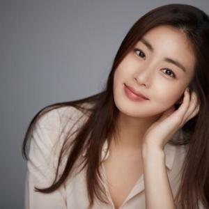 韓国 女優カン・ソラ~ママに! (*^_^*)