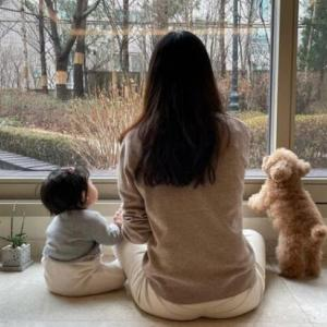 韓国 いやぁ~一番可愛い時期チェ・ジウ愛娘 (^_-)-☆