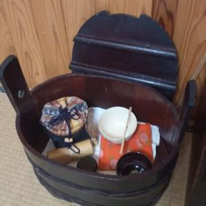 蓋付きの飯桶
