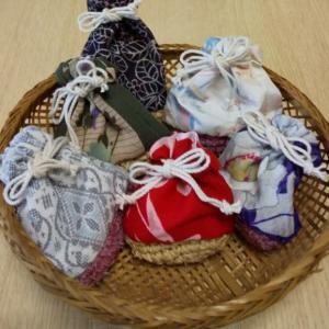 裂き編みのミニ巾着 たくさん作りました