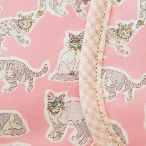 【リバティ】猫ちゃん柄の布ナプキン入荷しました♪
