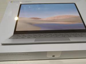 Laptop Go 買いました