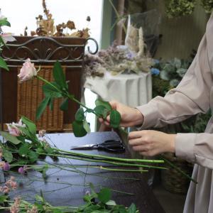 お花屋さんで勉強中 初めてのスパイラルブーケ