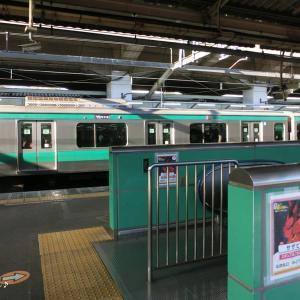 R2.01ガンダムスタンプラリー_01─JR赤羽駅にて。