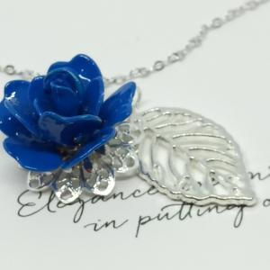 青い薔薇の花言葉