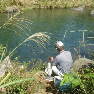 誰もいないところで竿をだした人が、良い釣りをしていた…!?